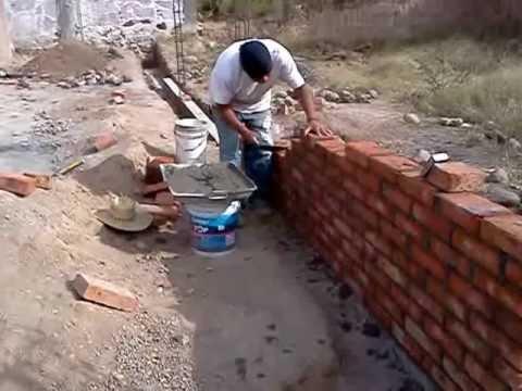 Pegando ladrillos youtube Construir una pileta de ladrillos