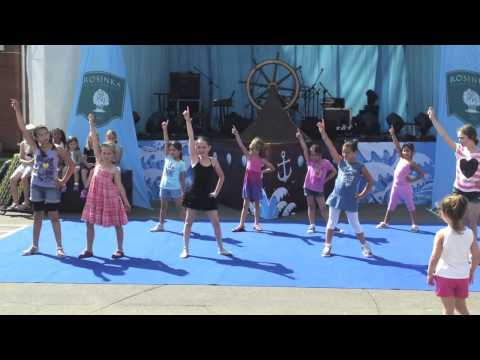 Children dance. Choreography by Lena Shining (Music: Shakira - Waka Waka, Beyonce - Move your body)