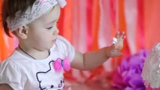 Как отметить первый день рождения ребенка - Фотостудия Сергея Соколова(Смотрите ролик Александра Зубкова о том, как в нашей студии проходят съемки годовасиков., 2016-03-03T08:42:48.000Z)