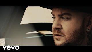 Смотреть клип Jake La Furia Ft. Luca Carboni - Fuori Da Qui