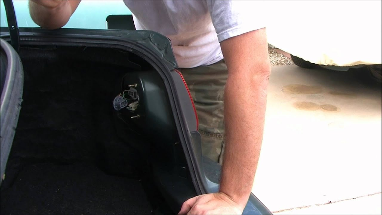Replacing Brake Lights - 2002 Toyota Corolla