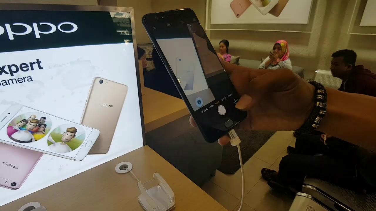 Service Centre Oppo Mobile Di Jakarta Tepatnya Di Kawasan Ruko Roxy