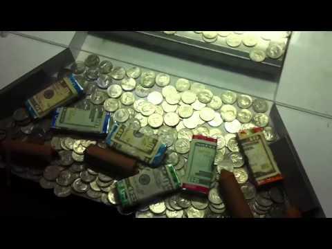 Viet plays coin dozer