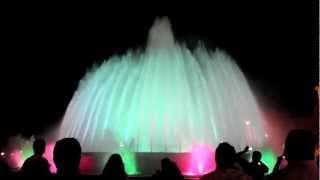 Поющие фонтаны в Барселоне(Потрясающее шоу! Больше видео на www.love-spain.ru., 2012-11-04T19:31:14.000Z)