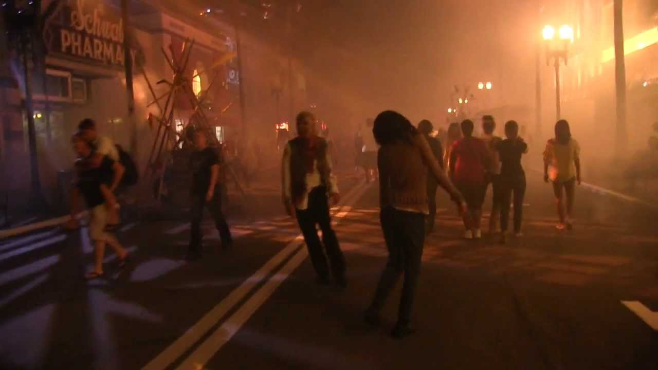 the walking dead scare zones at halloween horror nights 23 universal orlando youtube - Universal Halloween Night