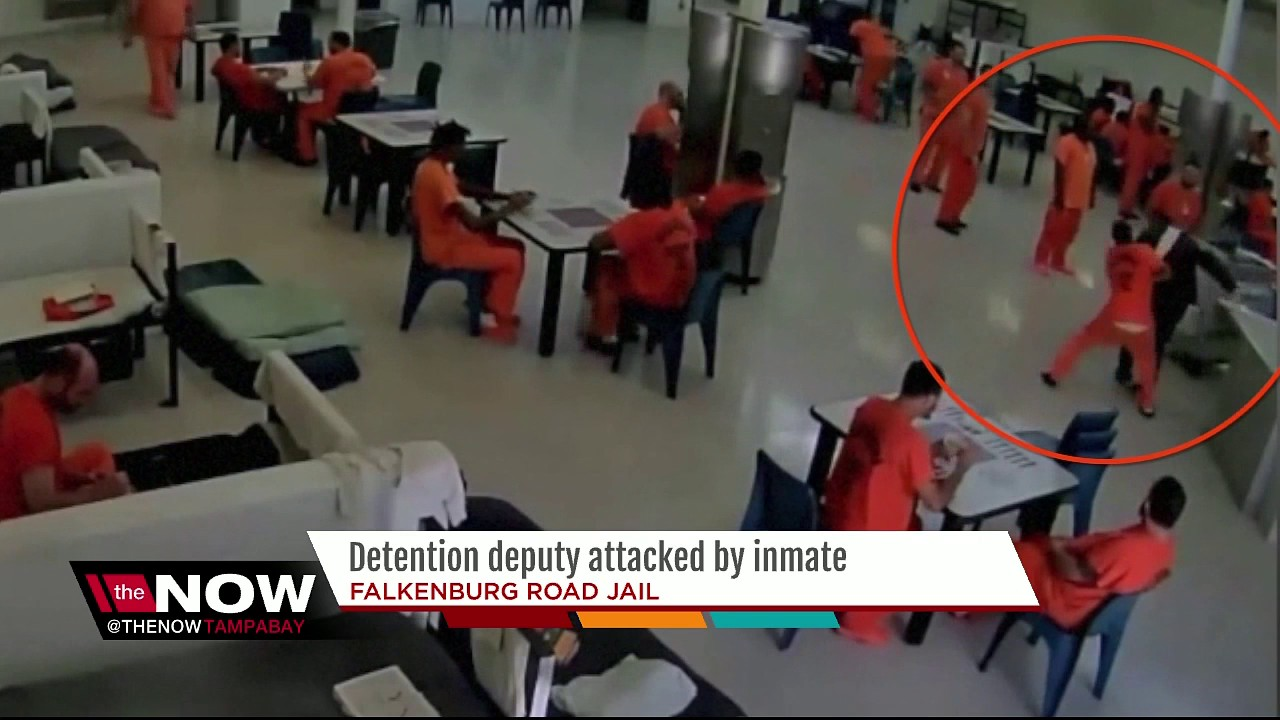 Detention deputy attacked by inmate with a towel youtube