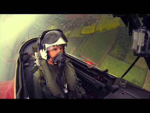 Lewis Hamiton/David Coulthard fly with Red Arrows