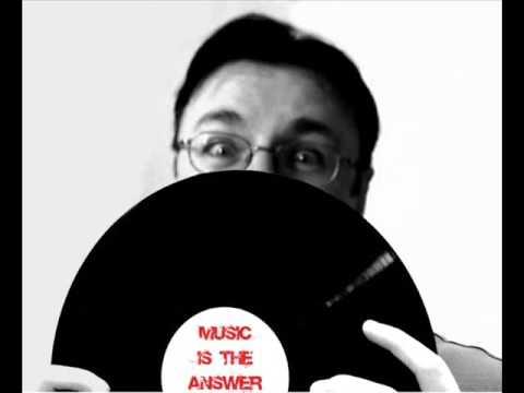 Mikee - set from Cavo Paradiso radio 2007