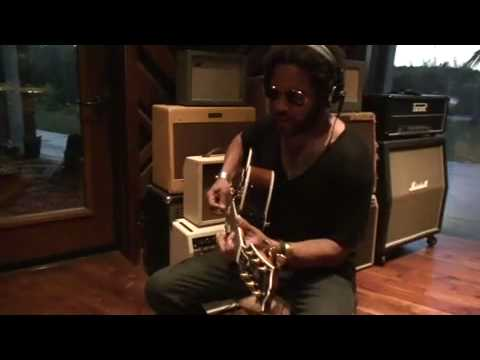 LENNY KRAVITZ SNEAK PEEK RECORDING FUNKY NEW SONG FROM BLACK AND WHITE AMERICA