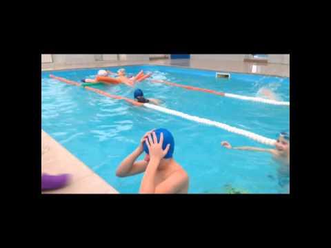 Как правильно одевать шапочку для плавания (прикол) How to put on a swimming ca