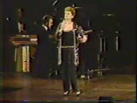 ALEXIS SMITH FROM PLATINUM AT THE KENNEDY CENTER IN 1982