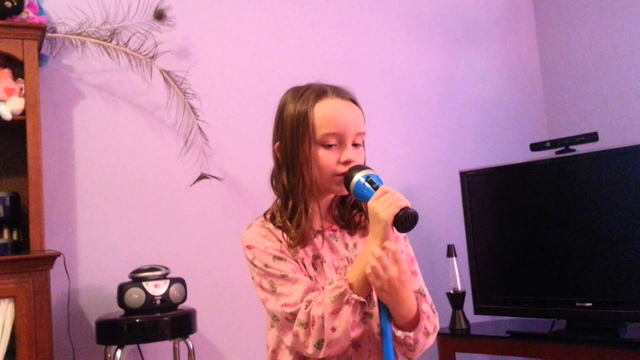 8 Year Old Girl Singing A Taylor Swift Song