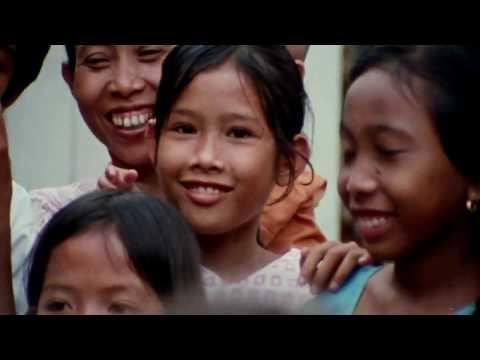 INDONESIA tahun 1970 - JAKARTA JAMAN DULU GAK NYANGKA TUKANG BECAK BISA BAHASA INGGRIS !!! - FULL HD