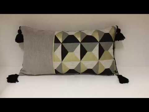 coudre une housse de coussin avec passepoil et pompons tuto couture madalena youtube. Black Bedroom Furniture Sets. Home Design Ideas