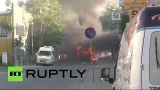 В Стамбуле автобус врезался в железнодорожный мост и взорвался(В центре Стамбула автобус врезался в железнодорожный мост и загорелся. Спустя некоторое время внутри транс..., 2015-06-21T13:30:34.000Z)