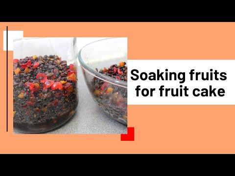 Soaking fruits for fruit cake