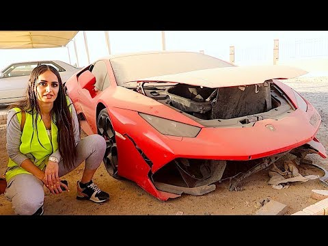 BUYING A CRASHED LAMBORGHINI IN DUBAI !!!