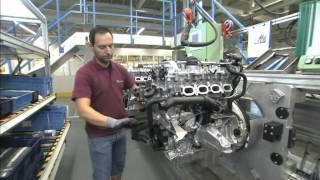 Mercedes-Benz plant Unterturkheim, engine mounting, new four-cylinder engine
