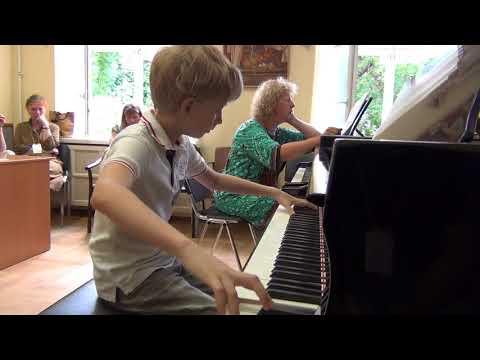 04.08.2017 Danila Tolstov. II-nd International Summer School, Moscow