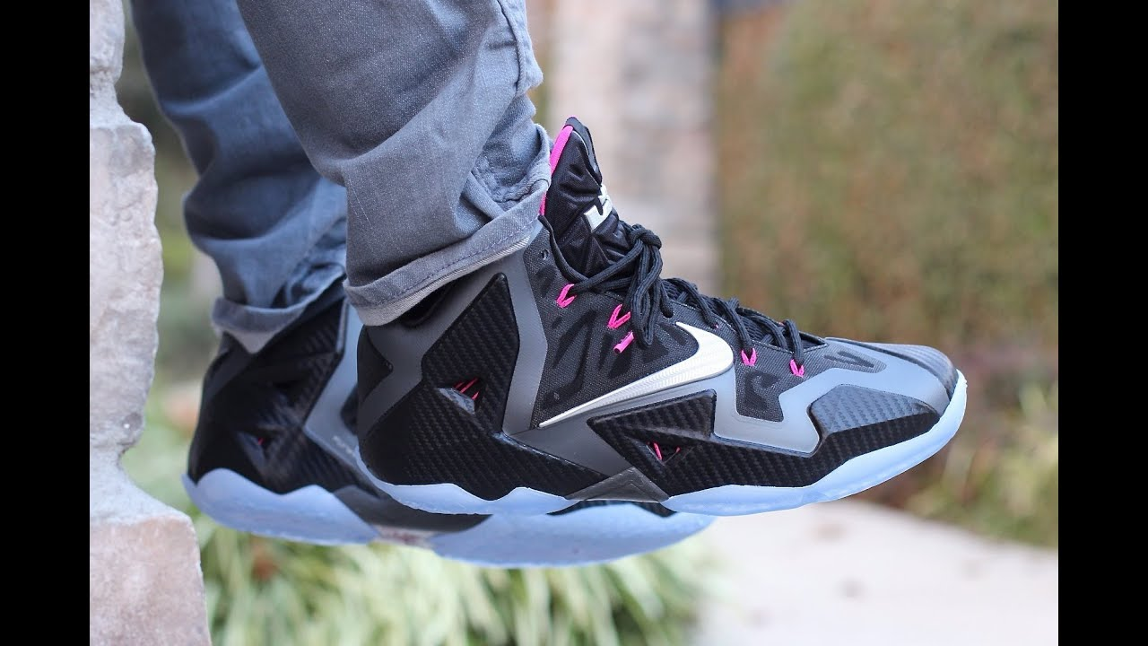 100% authentic 7f191 94a17 Nike LeBron XI