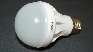 Очень дешевая пластиковая светодиодная лампа 220 В 7 Вт на светодиодах SMD5730(, 2017-02-14T17:54:46.000Z)