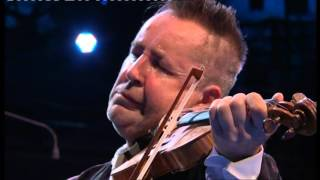 Nigel Kennedy & the Palestine Strings, Vivaldi The Four Seasons - Aug 2013, Proms - BBC. 2/3