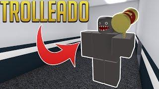 TROLLEANDO A LA BESTIA ESPAGUETI - Flee the Facility - ROBLOX
