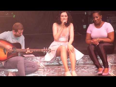 Jessie J - You Don't Really Know Me (NEW SONG) (HD) (Live @ Palacio Vistalegre, Madrid. 31-05-14)