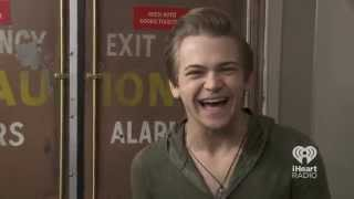 Hunter Hayes Reacts to Fan Comments | At the Back Door