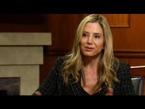 Ridiculous! Mira Sorvino Is Fed Up With Limited Roles, Lower Pay For Women In Hollywood