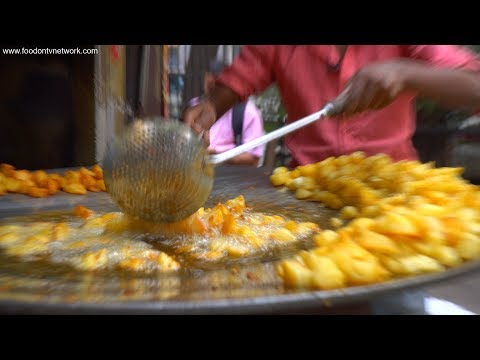 Best Chaat in Delhi, India   Best Street Food in India   Aloo Chaat and Fruit Chaat