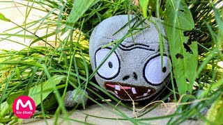 Video Plants vs Zombies Plush Toys: Zombie camouflage | MOO Toy Story download MP3, 3GP, MP4, WEBM, AVI, FLV Agustus 2017