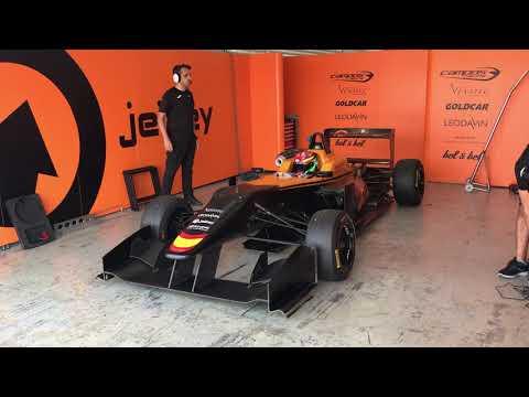 David Vidales rueda con un Fórmula 3