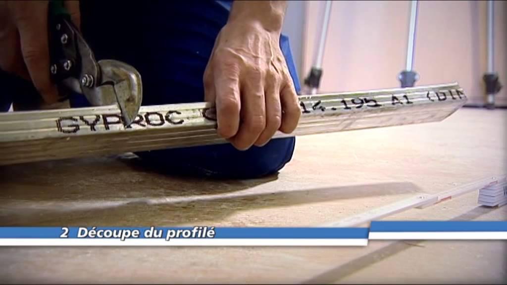 Découper Des Profileés Metal Stud Et Plagyp à Laide Des Cisaille