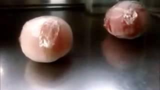 冷凍トマトを使ってパスタのソースを作ります。-Frozen Tomatoes- http:...