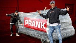 1000M FOLIE um BUGRAS AUTO gewickelt! 😄 PRANK  |  FaxxenTV