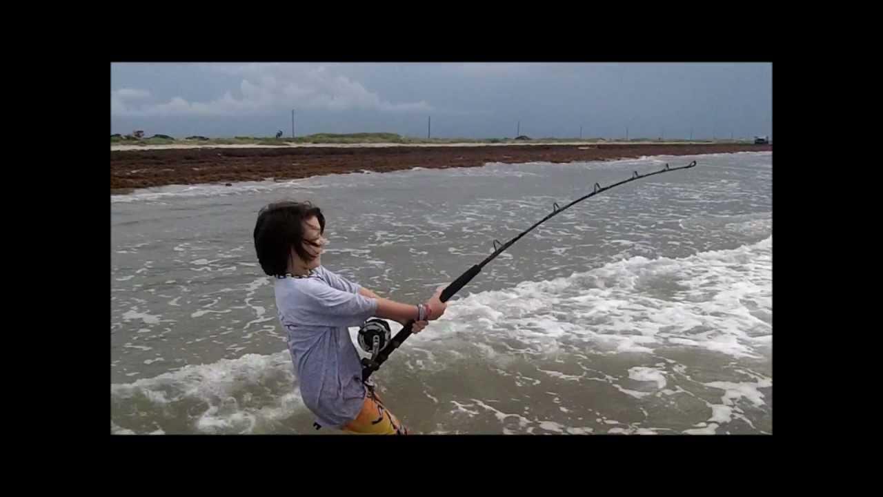Surf fishing for big bull sharks youtube for Surf fishing for sharks