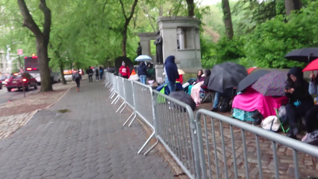 BTS New York City NYC Free Concert - Waiting in a line 2019
