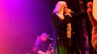 Watch Saxon Night Of The Wolf video