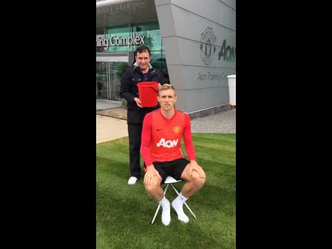 Darren Fletcher Ice Bucket Challenge - Nominates Cristiano Ronaldo!