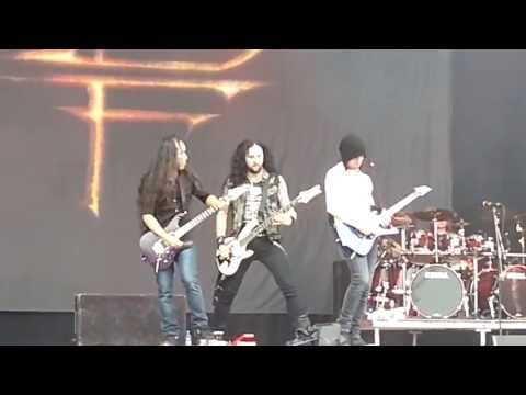 Dragon Force - Cry Thunder - Live@Download 2013