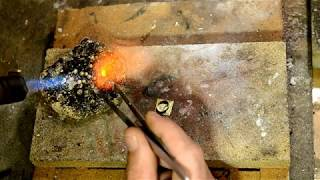 Jewelry tutorial: Stone setting, soldering a bezel for a cabochon stone.