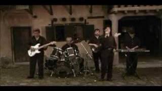 Los Iracundos - Cierra los ojos y juntos recordemos