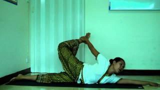สอนนวด สอนท่าฤาษีดัดตน ruenmai massage school/ฤาษีดัดตนท่า 15