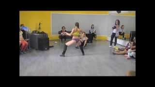 Twerking hits Russia!
