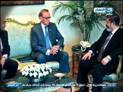 اخر النهار - احمد فؤاد نجم : مرسي كان كلامة اصعب من فوازير نيللي
