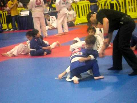 Joey's jiu jitsu tournament Irvine Championship match.AVI