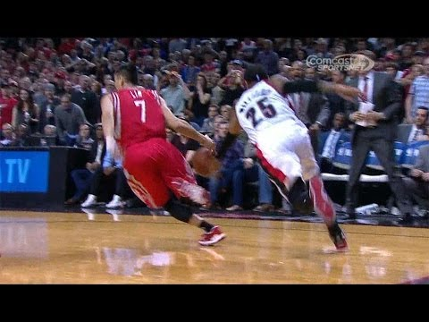 Jeremy Lin's critical turnover in Game 4 vs. Blazers