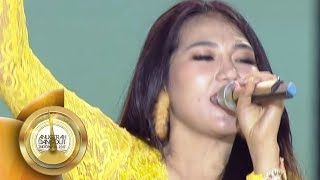 Keren Banget! VIA VALLEN Nyanyi SAYANG di Tengah Kerumunan Fans  - ADI 2017 (7/12)