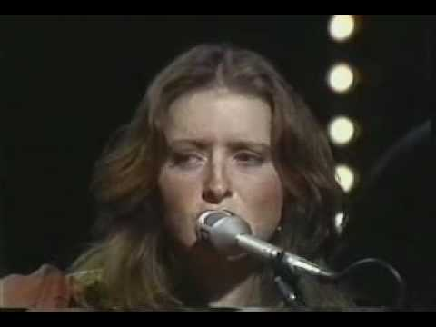 Bonnie Raitt - Angel from Montgomery (live)